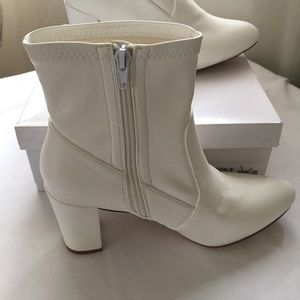 f09ff96fa0a Steve Madden Shoes - Steve Madden Emison White Boots